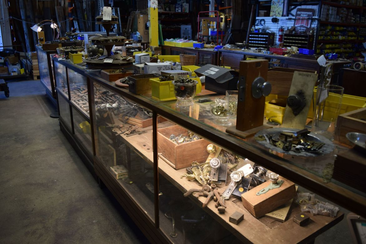 Vintage hardware selection at Eco Relics