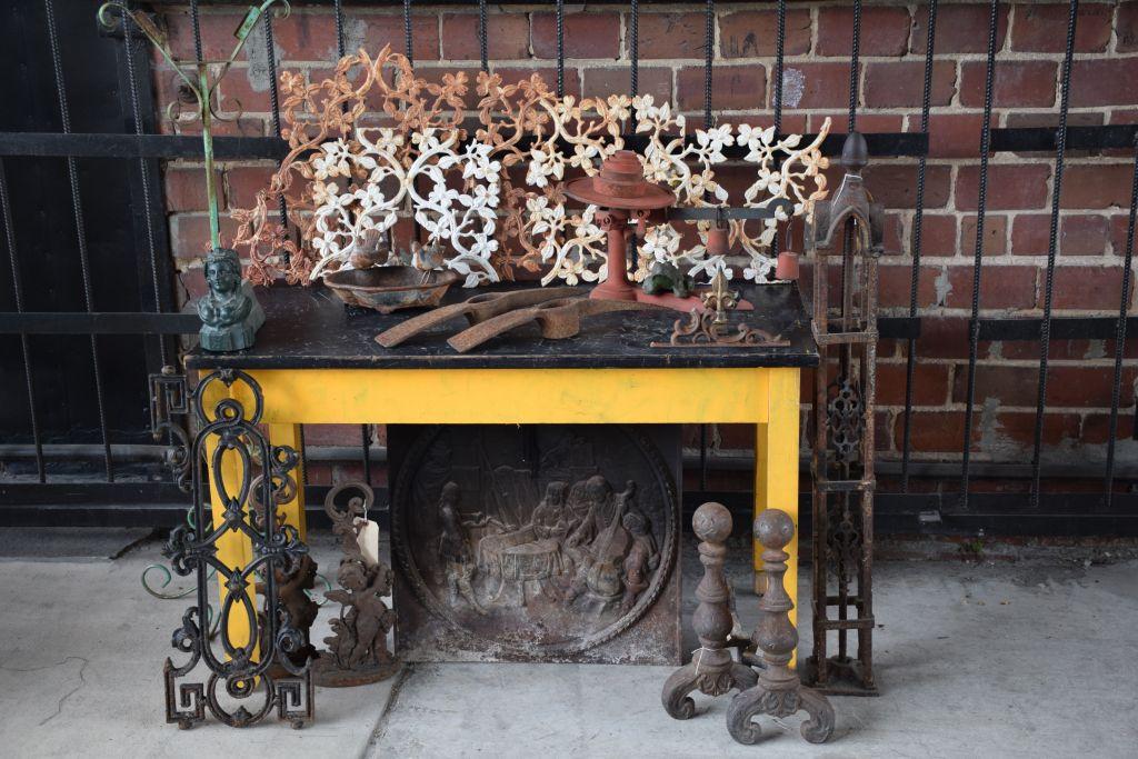 Cast Iron items (1)