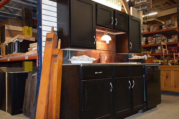 Surplus Cabinets and Countertops